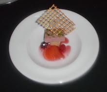 Terrina de chocolate blanco y frambuesas.