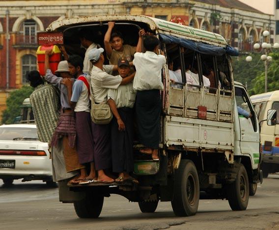 angkutan kota Yangon Myanmar