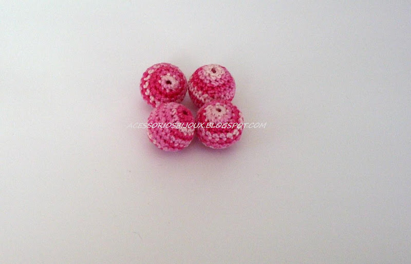 [crochet+balls+-+copia.JPG]