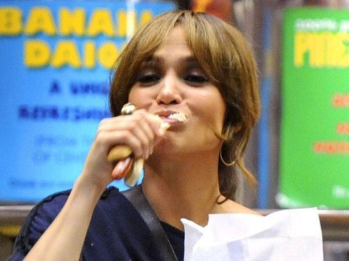 Jennifer Lopez eating