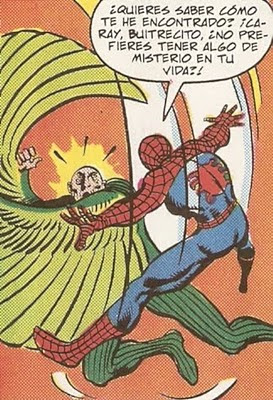 Spiderman batiendose el cobre con un jubilado