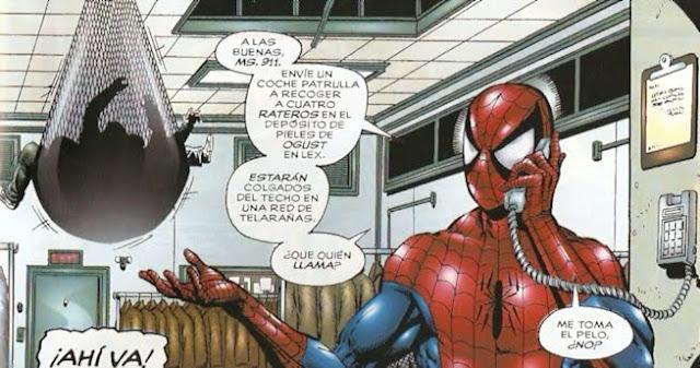 Spiderman reportando a la poli su última hazaña