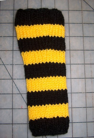 hermione j. schwartz: Mouses Steelers Striped Leg Warmers: Knit Pattern