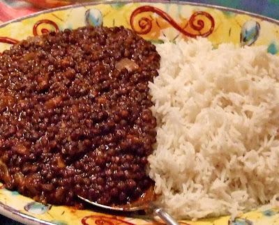 אין מױל ארײן Spiced Black Lentils With Cilantro