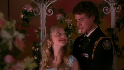 Amanda Seyfried as Sarah and Douglas Smith as Ben on HBO's Big Love