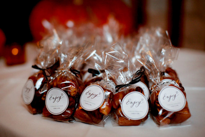 christmas wedding favors i think they d also make fab little table numbers for the complete diy tutorial here