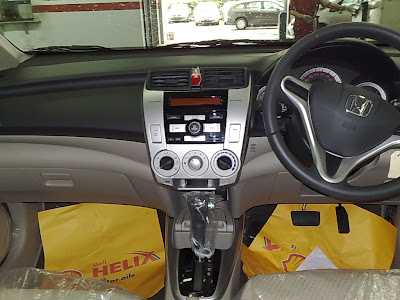 Interior wise, the new Honda City provide a conservative yet comfortable