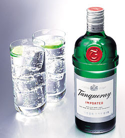 Tanqueray-Flaske-Glass-250b.jpg