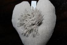 Medium hjerte i lin m rosett