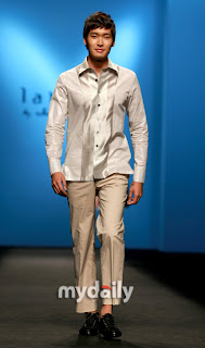 Jung Gyu Woon Catwalk