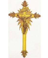 Crucifixo de prata dourada