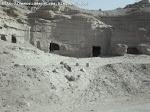 «Grutas» ou «Furnas» no morro da Torre do Tombo (Mossãmedes)