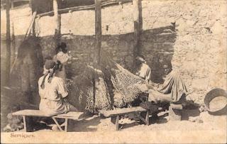 Mossamedes: nativos remendando redes