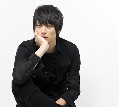 Kang Dong Won, koreańczyk