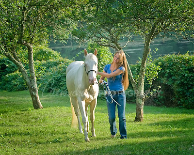 julia1 Cassandras Photography Julia and her horse named Blue