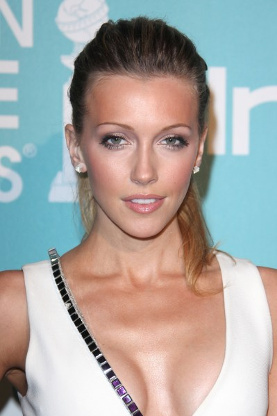 katie cassidy hairstyle ... along with the soft touch of mature French Oak barrels.