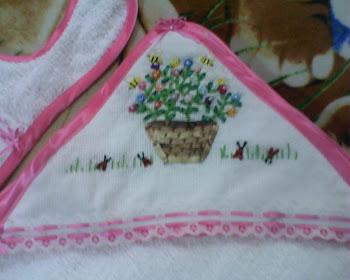 Preciosa y delicada capucha de toalla