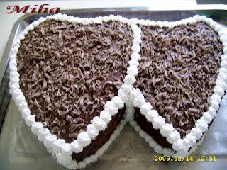 Tort cu blat de cacao si mouse de ciocolata