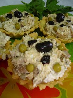 Articole culinare : Minitarte cu salata de curcan