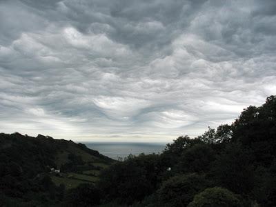 Nube rara en el cielo