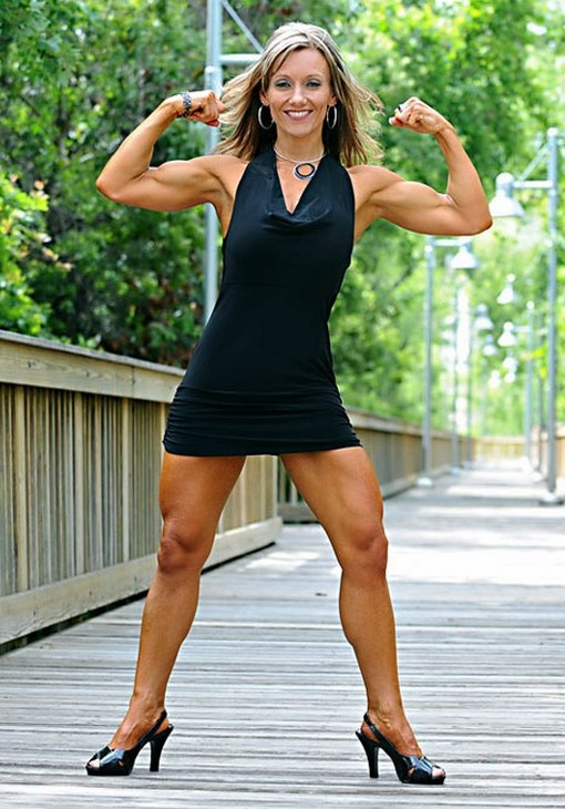 Muscular Womens Dressed: Mavi Gioia.
