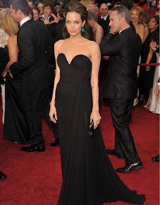 Angelina Jolie In Ellie Saab Black Again Woohoo For The Green Earring