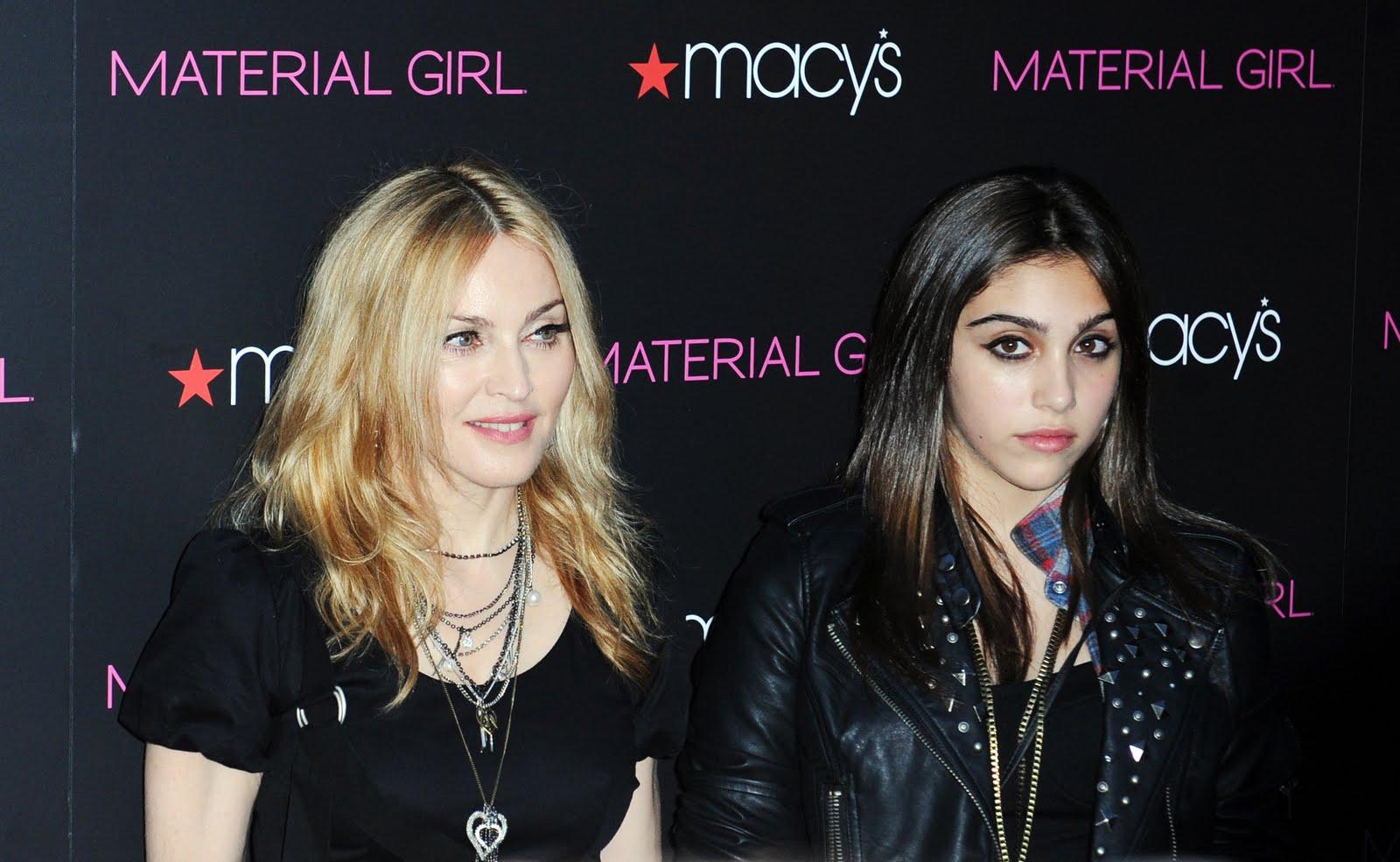 http://1.bp.blogspot.com/_QZk9-5nrPSU/TQ655VNC7eI/AAAAAAAAD0Y/0AwLxfuRLD8/s1600/FP_5770480_Madonna_RAM_092210.jpg