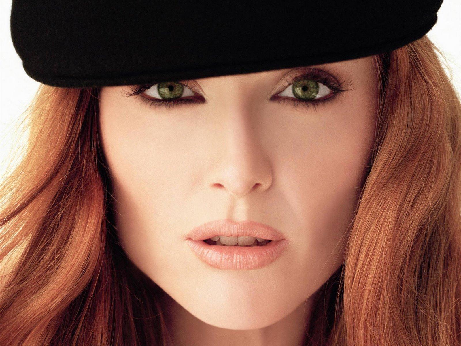 http://1.bp.blogspot.com/_Q_MQFtopsfY/SHSsTRqlcVI/AAAAAAAACtg/suhjx64WRcM/s1600/Fullwalls.blogspot.com_Julianne_Moore(6).jpg