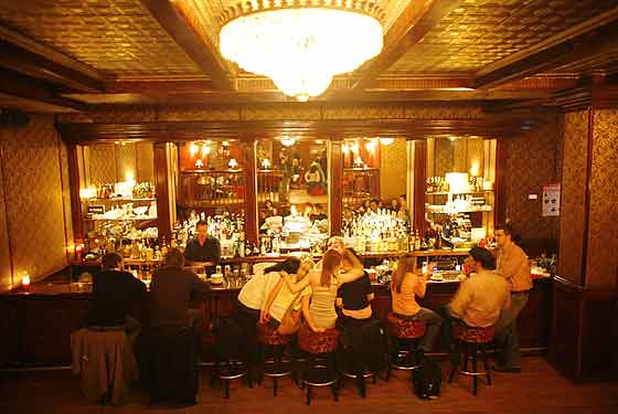 Shacharpatkaot The Backroom A 1920 S Speakeasy In