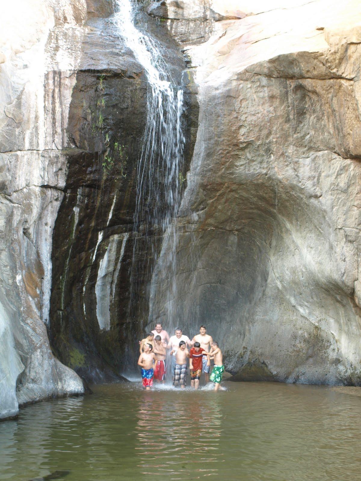 san diego hikers: three sisters waterfall