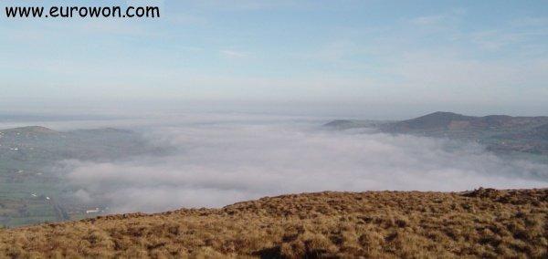 Niebla fina sobre el Lough Derg