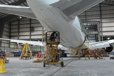 Un avión siendo sometido a 'la gran parada' (overhaul)