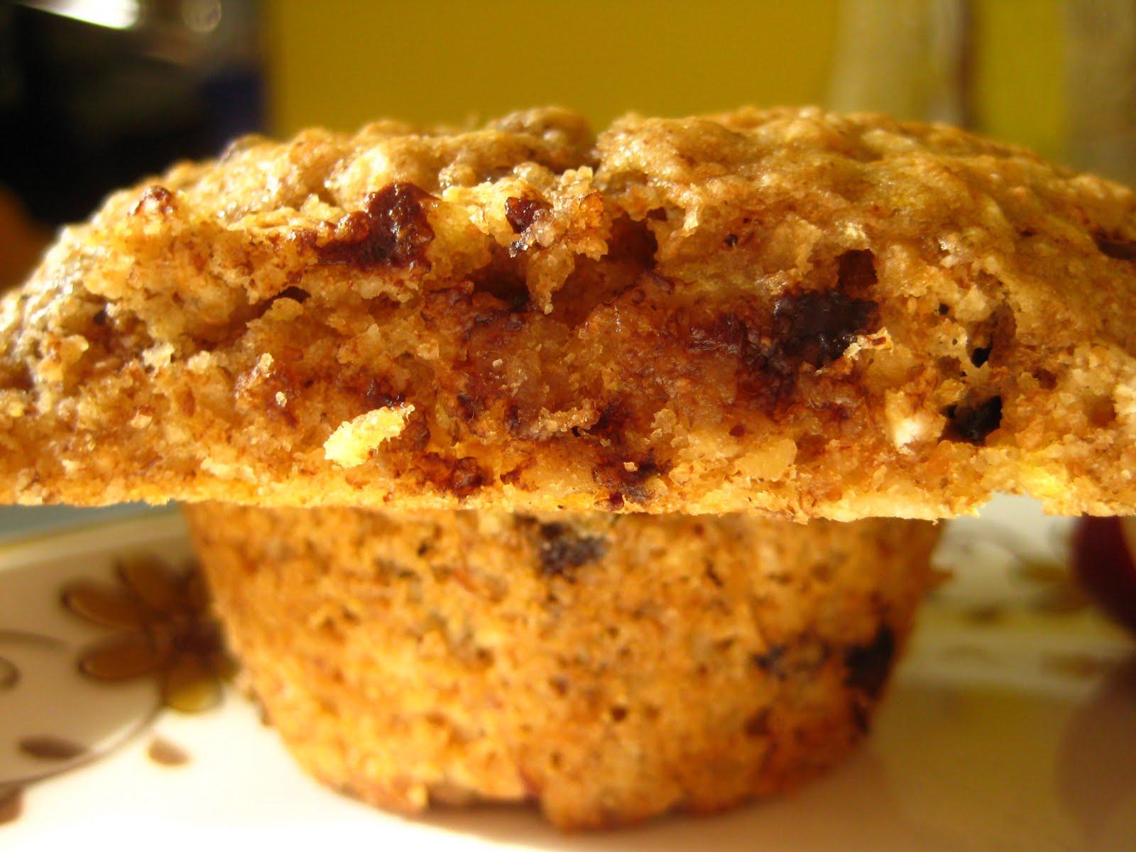 Cook&Bake: Banana Oatmeal Chocolate Chip Muffins.