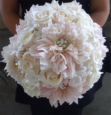 white wedding flowers ideas. Here are a few of the ideas