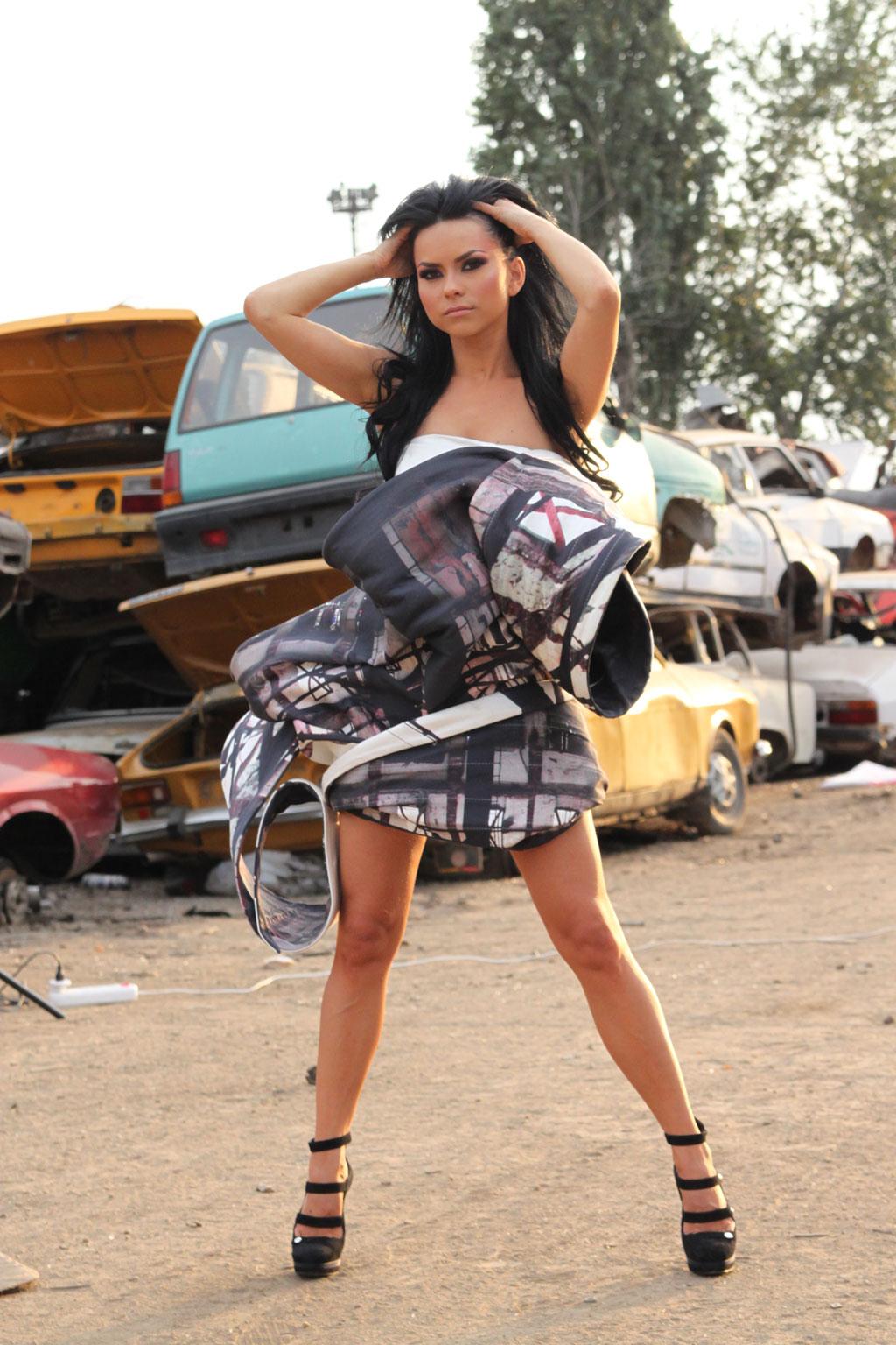http://1.bp.blogspot.com/_QhQHrMXYV40/TMHVm5gjg3I/AAAAAAAAAHs/Gpva9MZWZRw/s1600/make-of-inna-rmt5.jpg