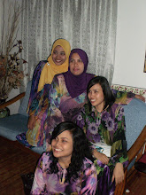 with my sis n aunty
