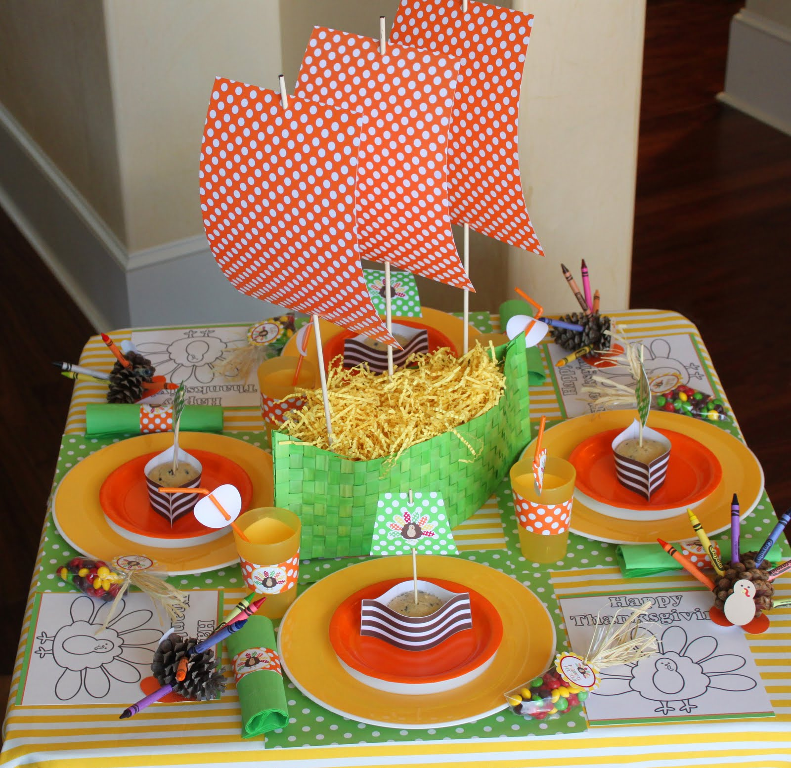 Tutorial: Mayflower Muffin Wrap And Pinecone Turkey Crayon Holder Craft