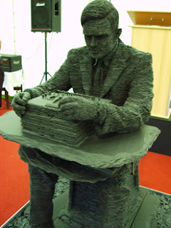 The new statue of Alan Turing