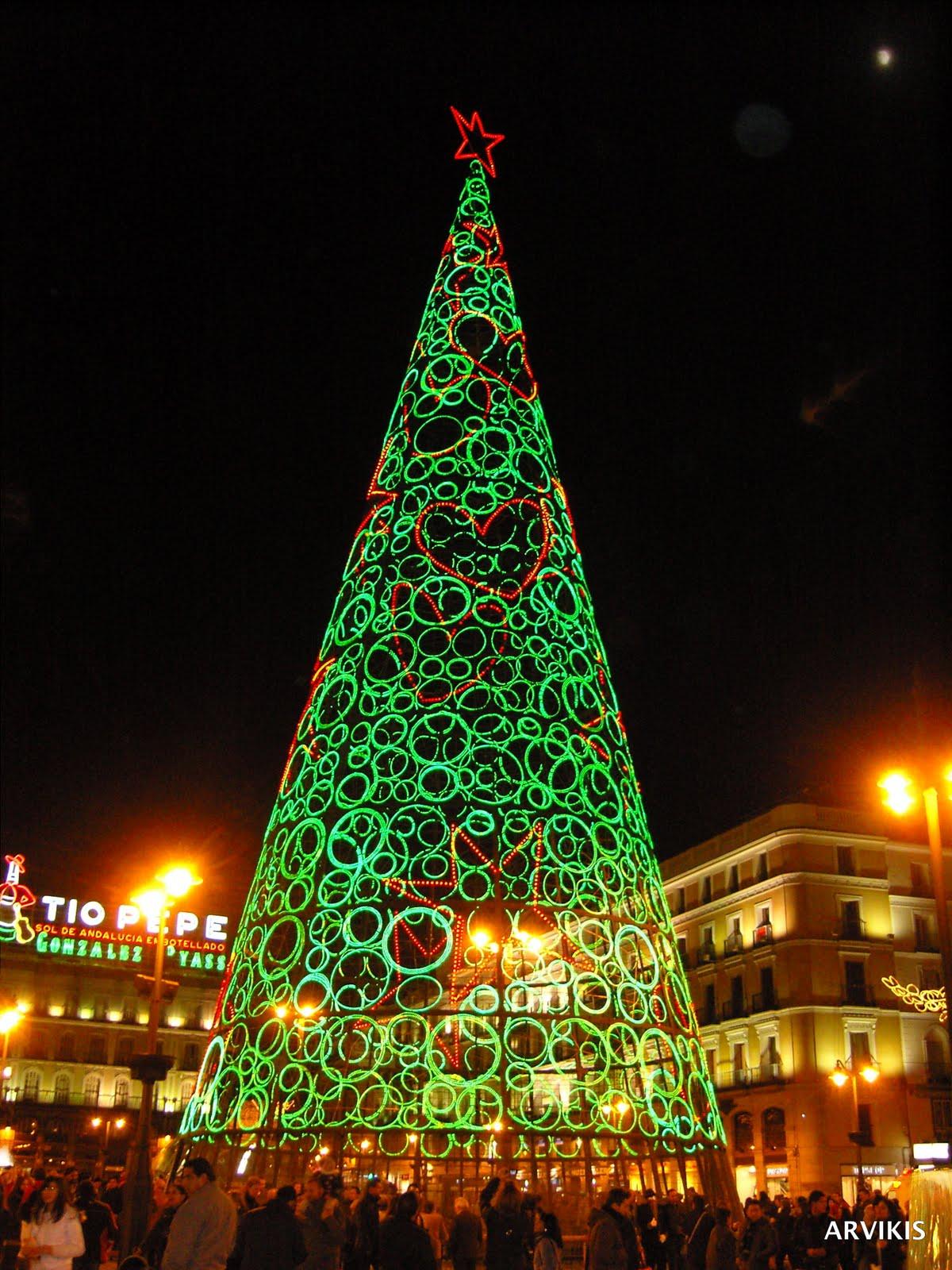 Arvikis madrid hoy se encendi la navidad en madrid for Puerta del sol hoy