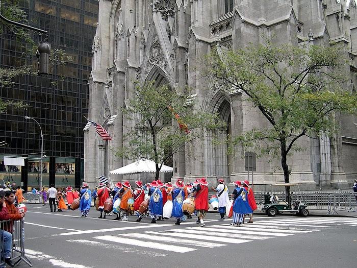 Desfile de la Hispanidad...