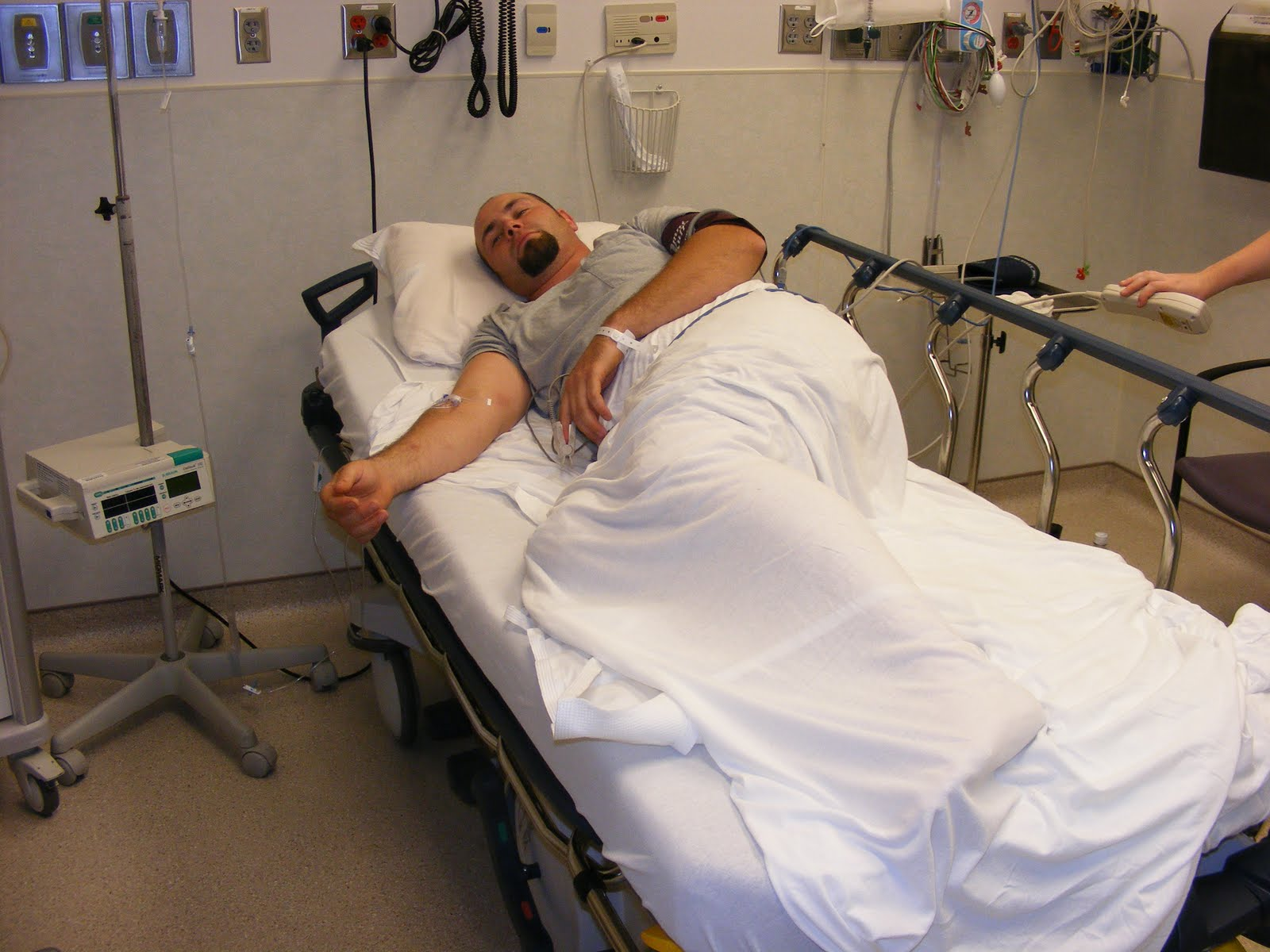 He made the trip okay but when he had to sit in a wheel chair, he -1.bp.blogspot.com