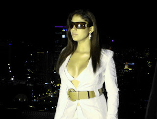 Hot Nayanthara in White