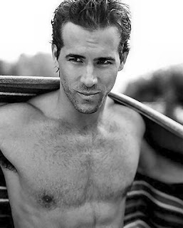 Ryan Reynolds Muscles on Celebrity Muscle  Ryan Reynolds