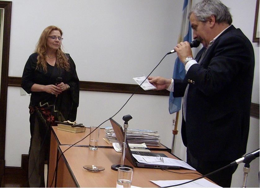 Mirta Praino  Jura en el HCD como CONCEJAL