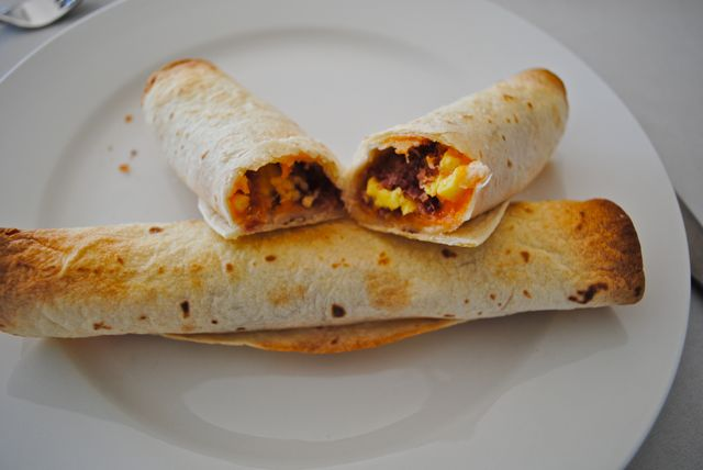 Stephanie's Cooking: Bacon and Egg Taquitos