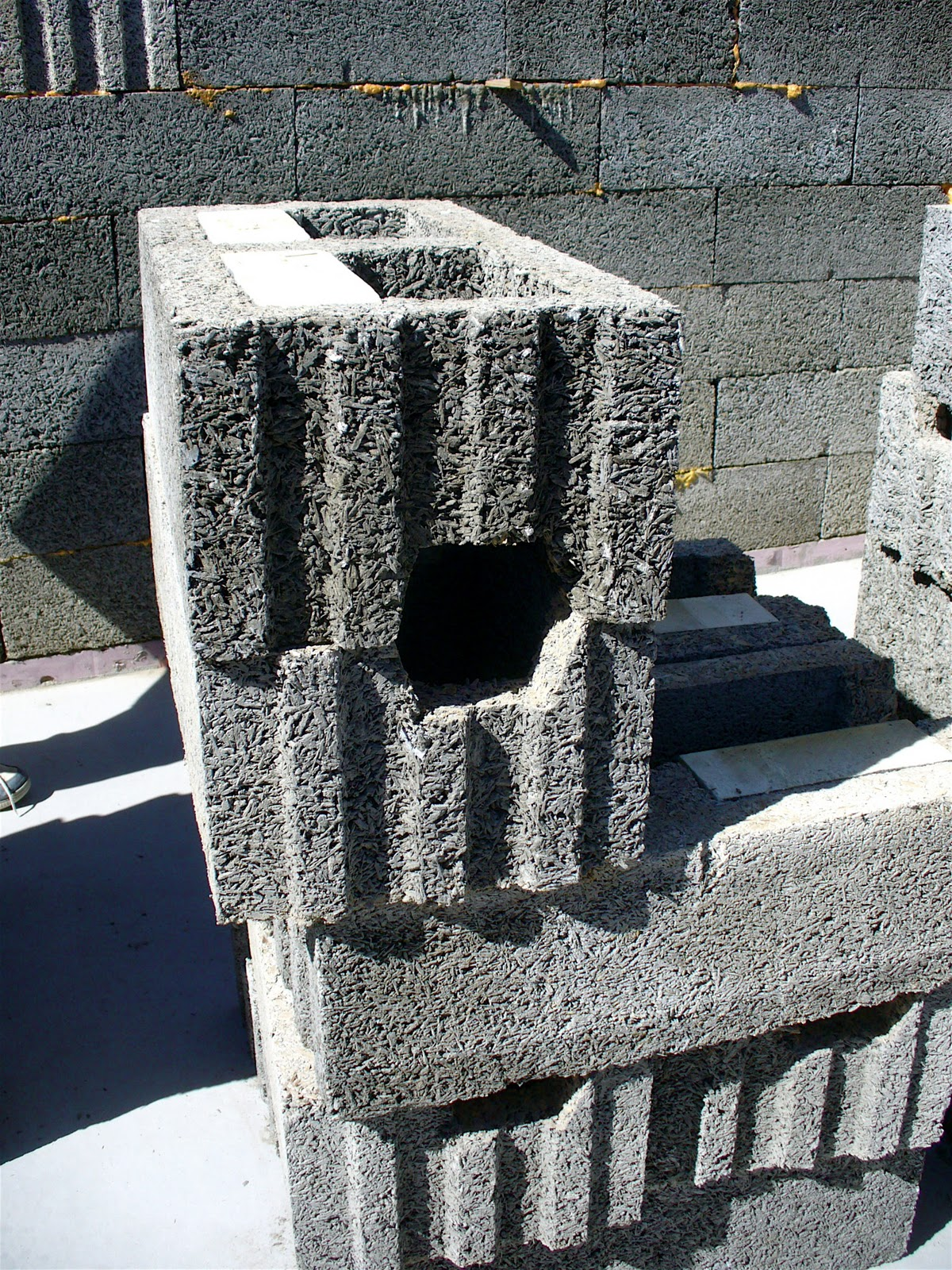 Alt build blog insulated concrete forms for Concrete log forms
