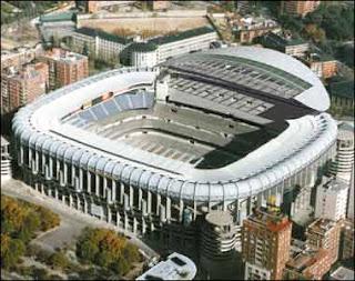 World soccer santiago bernabeu for Puerta 8 bernabeu