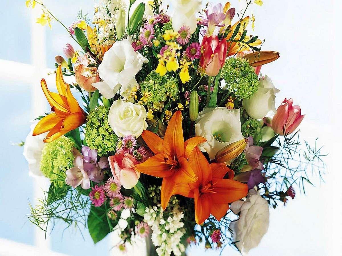 http://1.bp.blogspot.com/_Qr6jVOM_76s/TPPvjg1cm3I/AAAAAAAAAkY/TjxmaEAJjQk/s1600/mazzo+di+fiori+misti.jpg