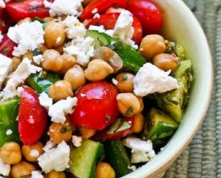 Recipes: 5-Minute Greek Garbanzo Bean Salad