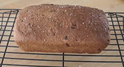 greens and jeans: Rye Dill Bread